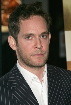 Plakat: Tom Hollander
