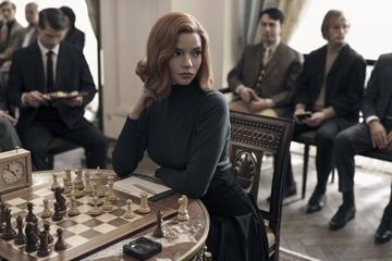 """""""Gambit królowej"""" triumfuje podczas sobotniej gali rozdania Nagród Emmy"""
