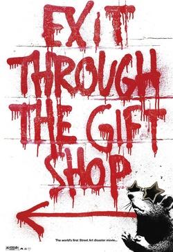 : Wyjście przez sklep z pamiątkami