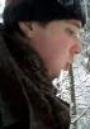 Film o chodzeniu po lesie. Zimą.