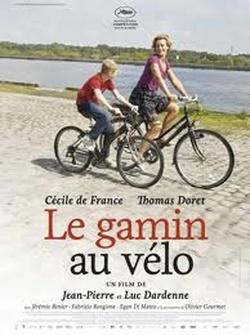: Chłopiec na rowerze