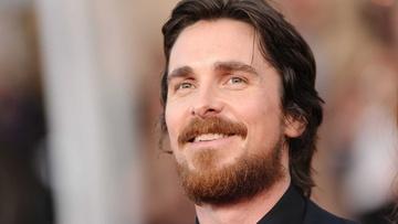 """Christian Bale na zdjęciach z """"Thora"""". Znowu ciężko go poznać."""