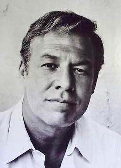 Plakat: George Kennedy